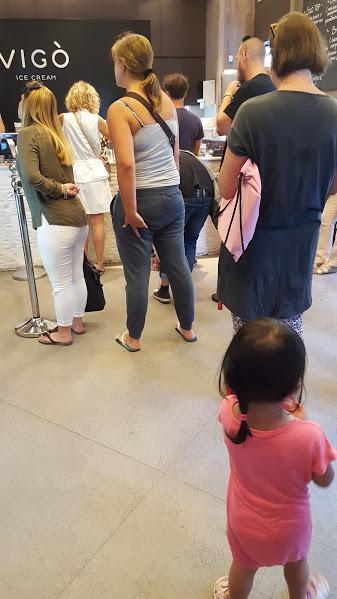 queue for ice cream